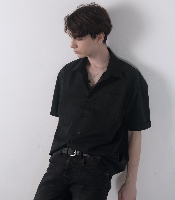 BLACK Oversized Cabra Half Shirts